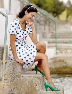 Stoff & Stil - Jersey stretch Hvit m blå blomster print Short Sleeve Dresses, Dresses With Sleeves, Sewing, Vintage, Style, Fashion, Fashion Styles, Catalog, Swag
