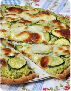 Rustic cake with zucchini paste and mozzarella Pizza Recipes, Veggie Recipes, Vegetarian Recipes, Cooking Recipes, Healthy Recipes, Food Porn, Cuisine Diverse, Salty Foods, Food Inspiration