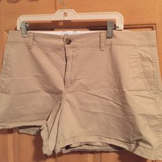 "Old Navy Khaki Shorts 3"" inseam khaki shorts. No noticeable signs of wear. Old Navy Shorts"