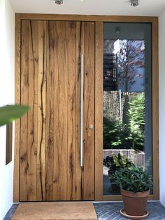 Doors wood - Security door realized with KfW funding for burglary protection! door from real solid Germa - House Front Door, House Entrance, Entrance Doors, Modern Entrance Door, The Doors, Wood Doors, Contemporary Front Doors, Modern Entryway, Modern Door