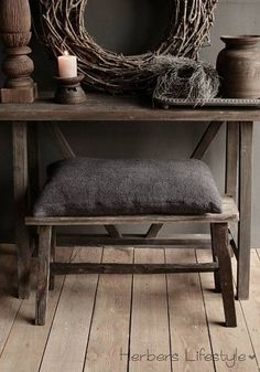 Oud houten Bankje 80cm Furniture Makeover, Furniture Decor, Living Styles, Tostadas, Rustic Interiors, Rustic Chic, Country Decor, Decoration, Home And Living