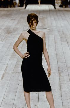 Alexander McQueen Spring 1999 Ready-to-Wear Fashion Show