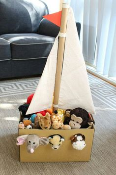 - from The Craft Train Recreate Noah's ark from a cardnboard box using your own stuffed animals from the toy box to fill it. This is a fun pretend play idea for preschoolers! Adorable Noah's Ark toy made from a simple cardboard box Kids Crafts, Bible Crafts, Summer Crafts, Carton Diy, Diy Karton, Cardboard Toys, Cardboard Crafts Kids, Cardboard Houses For Kids, Sunday School Crafts
