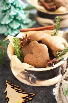 Pierniczki staropolskie Stuffed Mushrooms, Food And Drink, Sweets, Vegetables, Stuff Mushrooms, Gummi Candy, Candy, Goodies, Vegetable Recipes