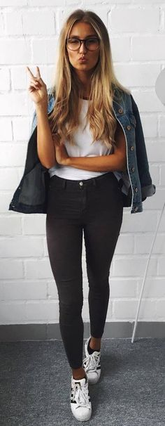 ootd _ denim jacket + white tee + black skinnies + sneakers