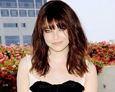 choppy bangs hairstyles   Amazing Emma Stone Hairstyles: Choppy Glazed Mix Up   Yeshairstyles