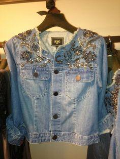 restyle your stash Denim And Lace, Denim Top, Denim Shirt, Jacket Jeans, Diy Jeans, Fashion Fabric, Denim Fashion, Mode Jeans, Recycled Denim