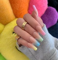 Semi-permanent varnish, false nails, patches: which manicure to choose? - My Nails Simple Acrylic Nails, Best Acrylic Nails, Pastel Nails, Simple Nails, Acrylic Nail Designs For Summer, Acrylic Summer Nails Coffin, Bright Summer Acrylic Nails, Long Nail Designs, Aycrlic Nails