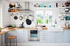 Интерьеры кухонь с открытыми стеллажами и полками :: Фото красивых интерьеров