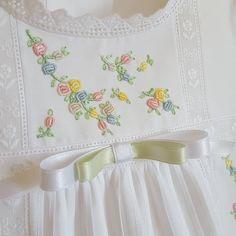 Smocking Baby, Smocking Patterns, Smocking Tutorial, Baby Embroidery, Embroidery Dress, Girl Dress Patterns, Skirt Patterns, Coat Patterns, Blouse Patterns