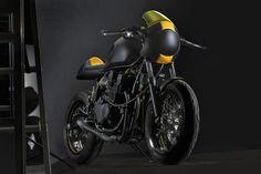 Show Pony - The C-Racer Yamaha XJR400 cafe racer via returnofthecaferacers.com