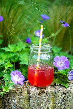 Homemade Pink Lemonade | Supergolden Bakes