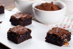 Brownie super fácil - confira o passo a passo em vídeo Brownies, Learn To Cook, New Recipes, Super Easy, Cookies, Desserts, Food, Chocolates, Carne
