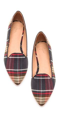 Adorable plaid flats. Give your outfit that pop of color/pattern it needs