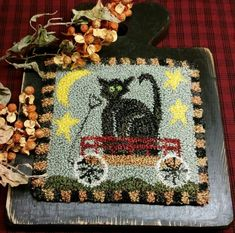Primitive Punchneedle Cat in the Moon Paddle Pattern