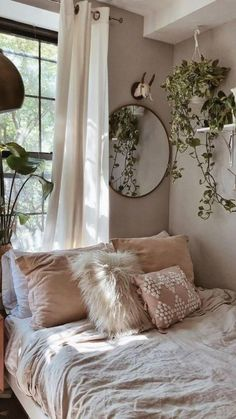 Room Ideas Bedroom, Home Bedroom, Bedroom Inspo, Earthy Bedroom, Modern Bedroom, Bedroom Vintage, Modern Bohemian Bedrooms, Cozy White Bedroom, Bedroom Decorating Ideas