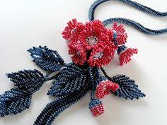紅赤小花のお花畑ビーズネックレス