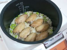 Rice cooker is one of the main thing that exist in every Malaysian's kitchen since we love eating rice so much.