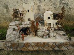 Una tradición muy bella en la época navideña es la de representar el nacimiento de Jesús. En estos días tenemos la oportunidad de dejar volar nuestra imaginación para lograr la decoración que tenemos planeada, y aunque es importante pensar en la decoración de la casa, de la chimenea y del árbol de Navidad, existe un …