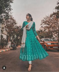 Casual Indian Fashion, Indian Fashion Dresses, Indian Gowns Dresses, Dress Indian Style, Indian Designer Outfits, Party Wear Indian Dresses, Pakistani Dresses, Women's Fashion, Designer Party Wear Dresses
