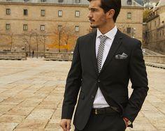 #modamasculina #traje #trajecelebracion #corbata #pañuelotraje