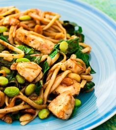 We used buckwheat soba noodles instead of pasta in this Asian-inspired peanut chicken with soba noodles dish. It's loaded with leafy greens, fresh edamame and crunchy peanuts. Enjoy hot or cold! #recipes #chicken #pasta #lunch #dinner