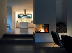 Open fireplace, modern kitchen, dark floors…half wall option next to short sta… - Home Page Open Fireplace, Fireplace Design, Fireplace Modern, Fireplace Kitchen, Living Room Kitchen, Living Room Decor, Sol Sombre, Küchen Design, House Design