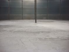 How to Remove Oil Stains from Cement Concrete Floors, Hardwood Floors, Flooring, Remove Oil Stains, Industrial Paintings, Painted Floors, Steel Structure, Interior Design Inspiration, Cement
