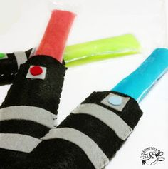 Star Wars Felt Popsicle Cozy Template ~ sooooo cute I'm dying! And easy that maybe I could do it?