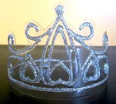 make a tiara from a plastic bottle and glitter glue pen