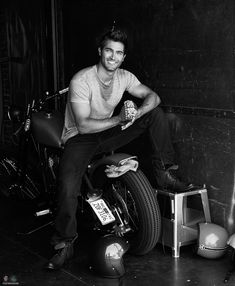 Tyler Hoechlin Photoshoot - tyler-hoechlin Photo