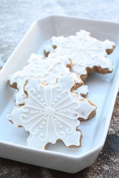 Bites of Sweetness: soft gingerbread cookies: white wonderland
