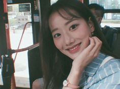 Image about kpop in ✧・゚: * lesbian filter by sophie South Korean Girls, Korean Girl Groups, Very Good Girls, Future Photos, Best Kpop, Asian Babies, Face Claims, Ulzzang Girl, Korean Singer