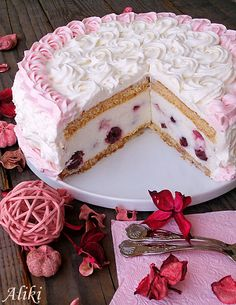 Torta sa višnjama i belom čokoladom