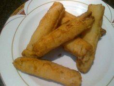 Espárragos blancos rellenos de pringá Reserva online para comer ensaladas. EligeTuPlato.es