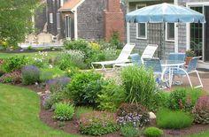 9 Exquisite Tricks: Backyard Garden On A Budget Outdoor Living tropical backyard garden patio.Small Backyard Garden Tips. Tropical Backyard, Small Backyard Gardens, Backyard Garden Design, Modern Backyard, Outdoor Gardens, Backyard Ideas, Wedding Backyard, Big Garden, Garden Ideas Victorian Terrace