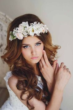 Bohemian wedding hairstyles with flowers