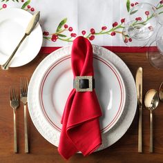 Santa table setting Gingerbread Decorations, Christmas Table Decorations, Holiday Tables, Holiday Decor, Chocolate Advent Calendar, Big Vases, Favorite Holiday, Vintage Christmas, Santa