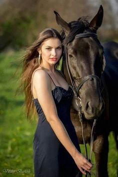 Horse Girl Photography, Equine Photography, Photography Poses, Pretty Horses, Beautiful Horses, Animals Beautiful, Clydesdale, Bull Riding, Horse Riding