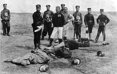 Chinese Boxer rebels executed by Japanese soldiers - 1900