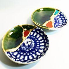 Broken Plates Get A New Meaning With 'Kintsugi,' The Art Of Finding Beauty In Flaws - Porzellan-Ornament Kintsugi, Japanese Ceramics, Japanese Pottery, Japanese Art, Ceramic Plates, Ceramic Pottery, Ceramic Art, Wabi Sabi, Decorative Bowls