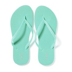 Old Navy Womens Classic Flip Flops (7.640 COP) ❤ liked on Polyvore featuring shoes, sandals, flip flops, tropical vacation nyln, strap shoes, strappy sandals, black white sandals, old navy flip flops and white and black shoes