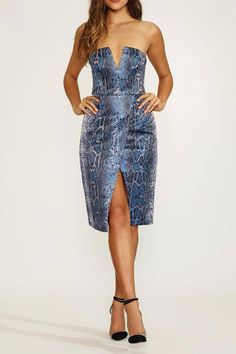 """Color is Night Python with aV-wire center front.Front slit.Exposed back zipper closure.Hand wash cold.Partially lined.    Neckline to hem measures approx 34"""" in length   Covergirl Dress by Lovers + Friends. Clothing - Dresses - Printed Clothing - Dresses - Strapless Chicago, Illinois"""