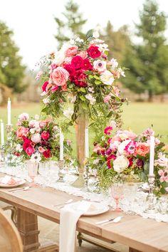 Breathtaking table florals by Krista Jon // Rentals: Archive Vintage Rentals // Photography: Mike Larson // #weddings #florals #vintagerentals