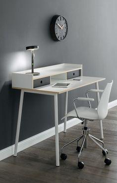 sch n kleiner schreibtisch ikea kleine schreibtische. Black Bedroom Furniture Sets. Home Design Ideas