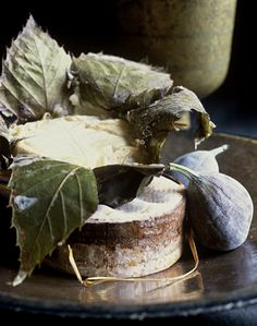 Cheese and figs. Blume