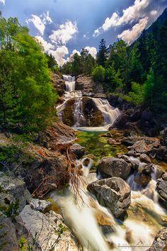 Cascada de San Esperit . Aiguestortes National Park . Spain