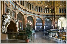 Praha Train Station- take a moment and an espresso