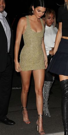 Kendall Jenner nos muestra el outfit perfecto para recibir el 2018