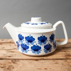 teapot white blue mid century norway stavangerflint rolf froyland viola pottery